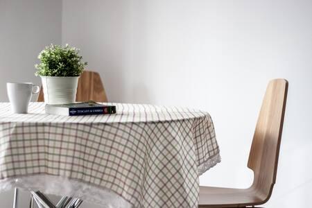 Brand New Light-filled Apartment - Hawthorn