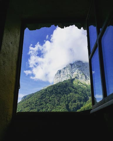 Isolated off-the-grid eco chalet in the Alps - Saint-Ferréol - Dağ Evi