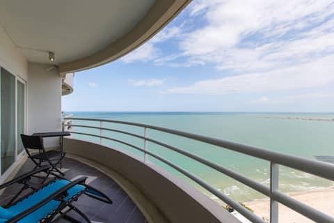 Luxury Beachside 3 Bed 4 Bathroom  Condominium
