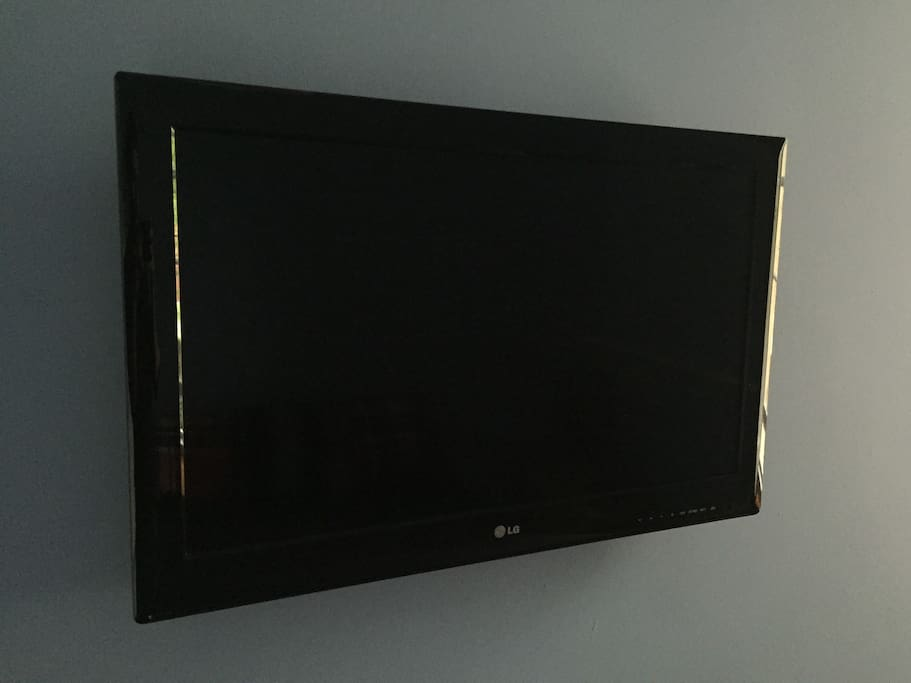 Flat screen wall mounted TV