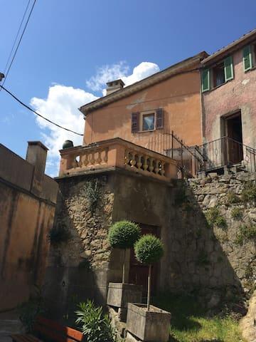 Appartement dans village provençal