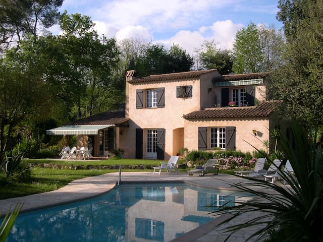 House of provence with swimmingpool - Roquefort-les-Pins - Hus