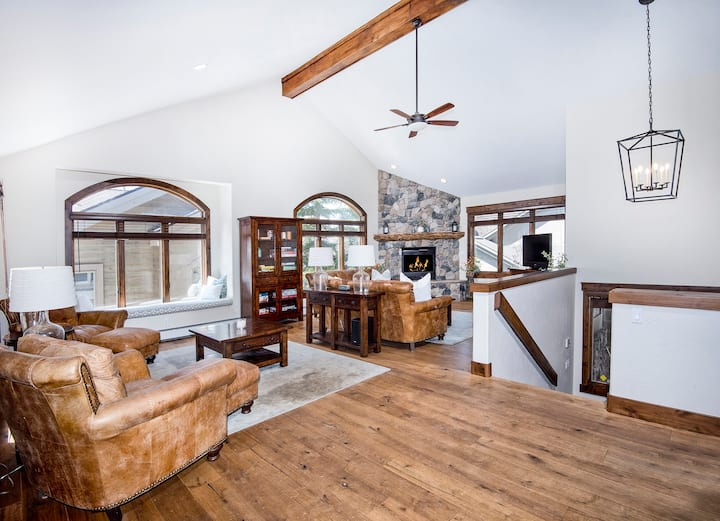 *New Listing!* - Quiet Vail Escape - Just minutes from Vail Village