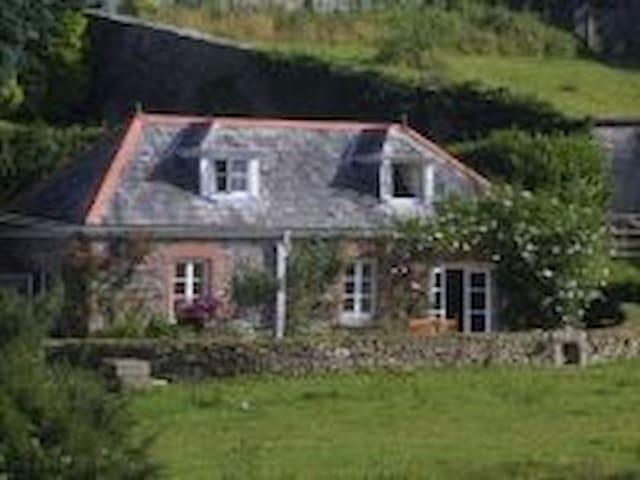 Mount Tavy Cottage B&B and S/cater