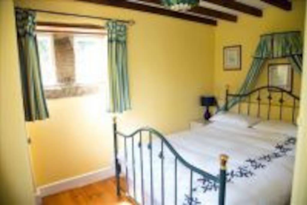 Double ground floor bedroom in Wood Shed