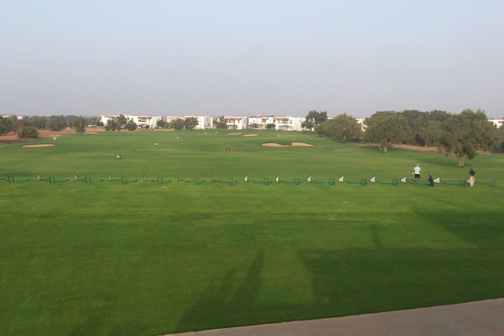 Vue sur le golf et les villas Pinedes