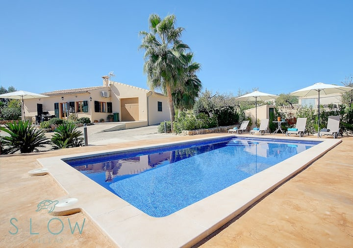 Villa Cas Frares with private pool and big garden in idyllic location
