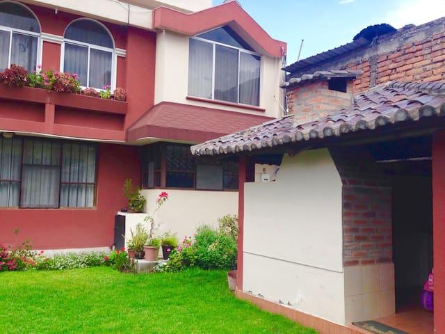 Depar. independiente y habitaciones - Quito - Apartemen
