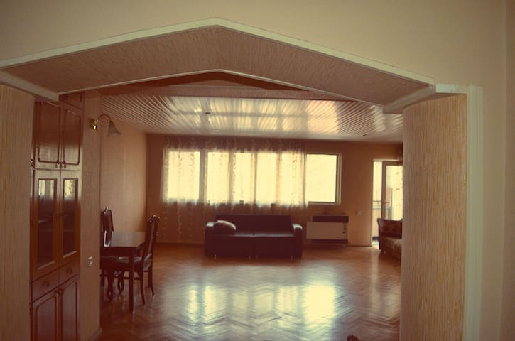Tamara's apartment