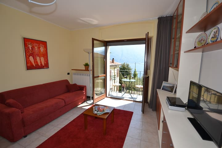 Amazing Como View Apartment for 4 - San Siro (CO) - Apartment