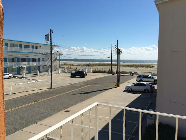 BEAUTIFUL BEACH SIDE CONDO! - Wildwood Crest - Apartment