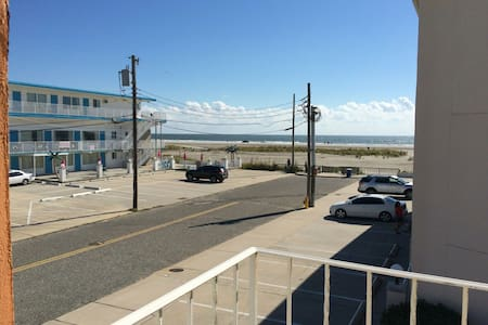BEAUTIFUL BEACH SIDE CONDO! - Wildwood Crest
