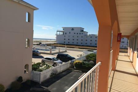 BEAUTIFUL BEACH SIDE CONDO! - Wildwood Crest - Apartment