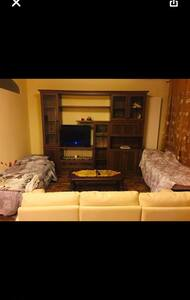 Single bed in private space near metro
