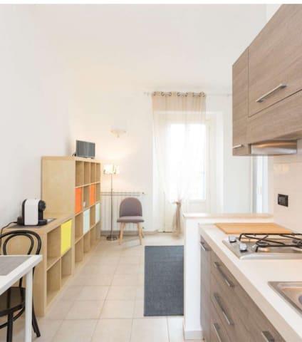 Cozy studio Navigli area Bocconi shopping  wi/ fi