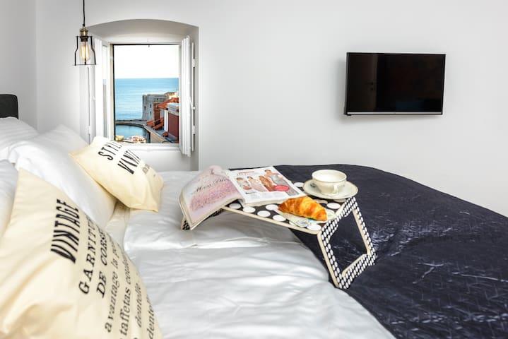 La bohème - Marlon Brando - Dubrovnik - Flat
