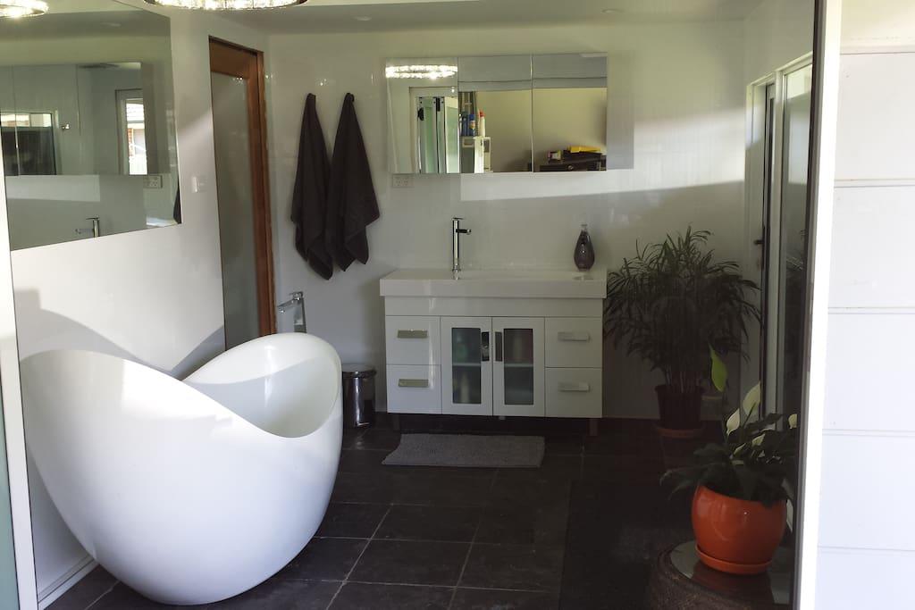 Shared bath and shower area