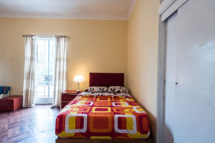 ❤️Large Room in quiet area in Barranco