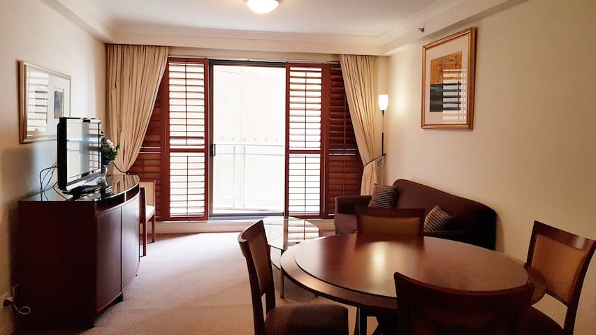 Museum Station Full 1 Bedroom, Pool and Gym 1004r