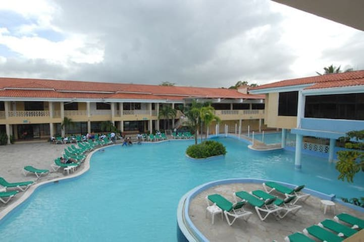 1st Floor Beach-Apartment & Golf Club Available