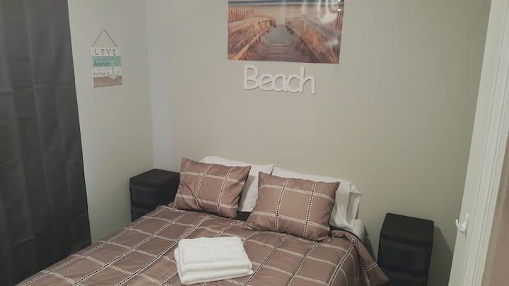 Super Clean & Cozy Beach Style Room 2