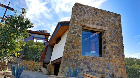 La Casa en La Piedra, where design meets nature