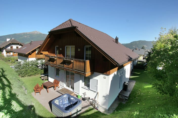 Lovely Chalet in Sankt Margarethen im Lungau, with ski lift nearby