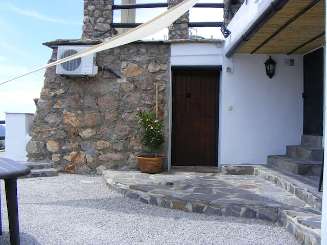 Casa Camelia - Sleeps 3 - Pool-CTC-(PHONE NUMBER HIDDEN) - Órgiva - Talo
