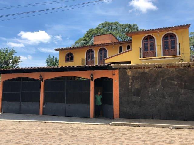 BONITA CASA EN XICO