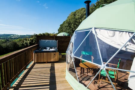 THE SUCKLEY - Luxury Glamping Dome with Hot Tub