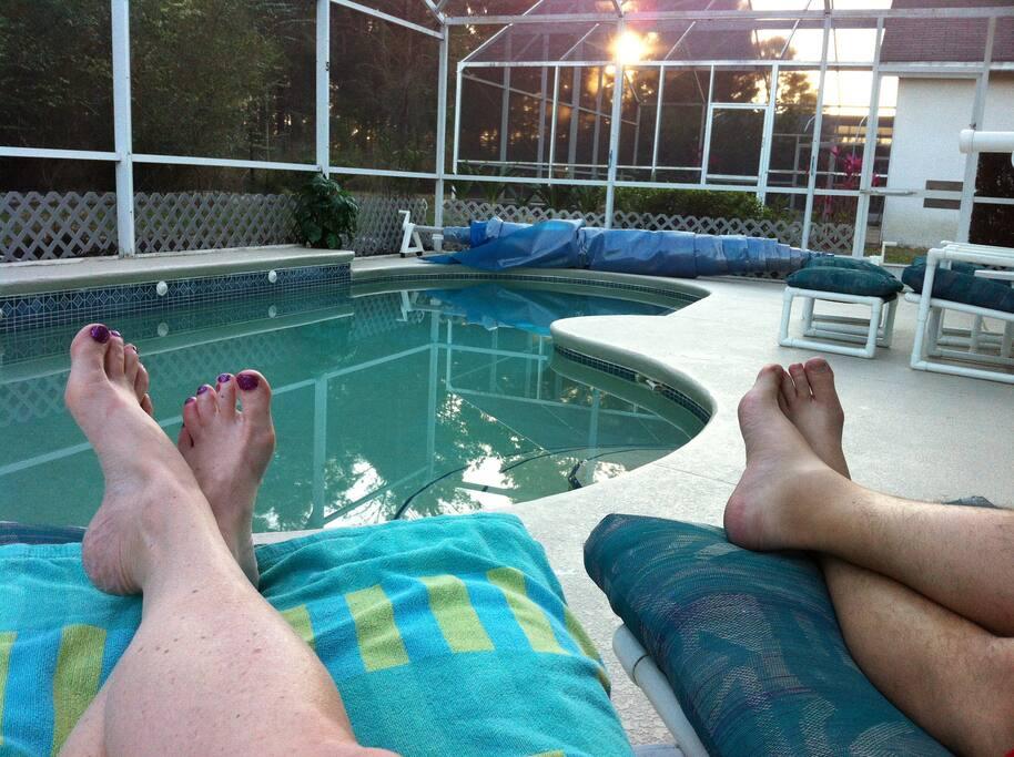 The good life awaits you here (Enclosured Southfacing private pool & hot tub)