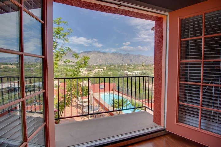 PRIVATE OASIS IN THE CATALINA FOOTHILLS