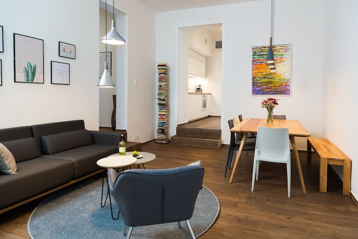 90SQM & 3-BEDROOM DESIGN APARTMENT by BENSIMON