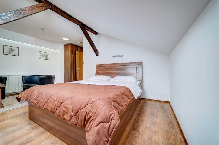Suitable studio for 3 people is equipped with all necessary amenities.