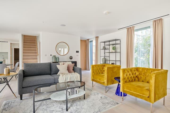 Sonder | Southwark Residence | Sunny 3BR + Balcony
