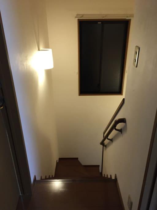 部屋は2F/The room 2F