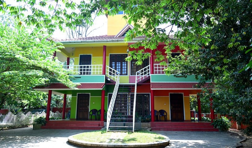 Rainbow HolidayHome-Homestay-Wayanad-Bed in Budget
