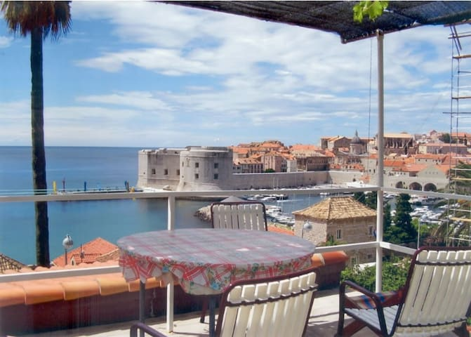App 1 with terrace & amazing view - Dubrovnik - Huis
