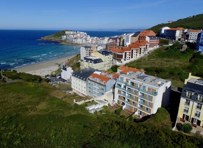 Modern flat at 50m from the beach. - Malpica - Apartment