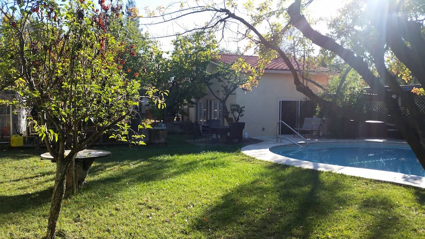Cozy Guest House 2,5 bedrooms with Pool & SPA - Fair Oaks - Guesthouse