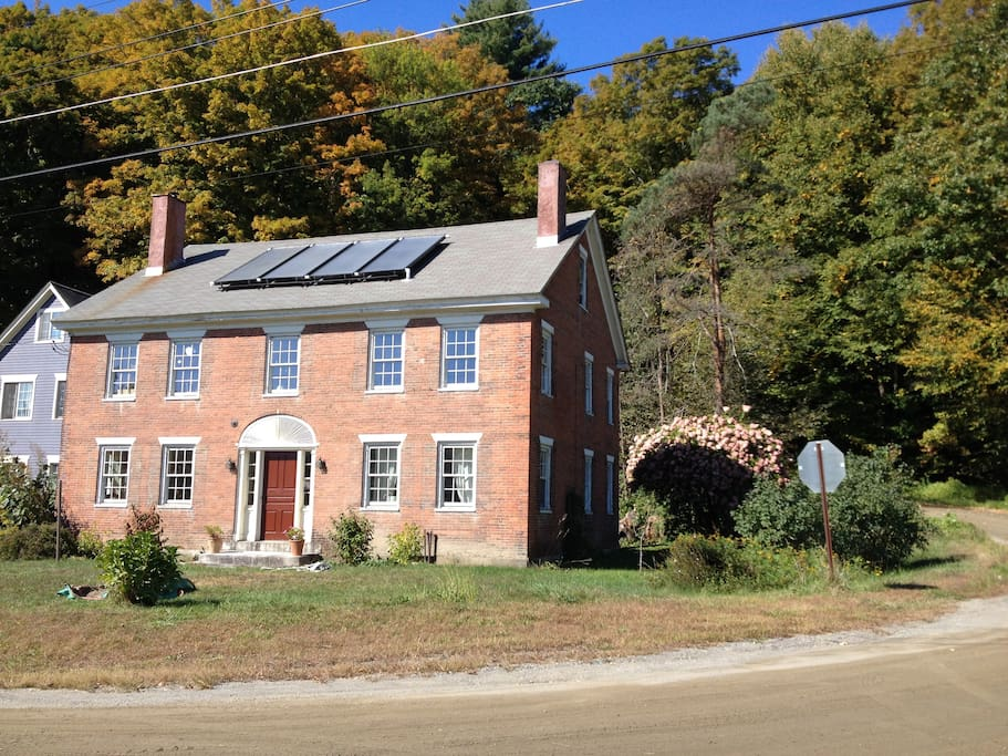 The Fort Hill Farm main house built in 1806.