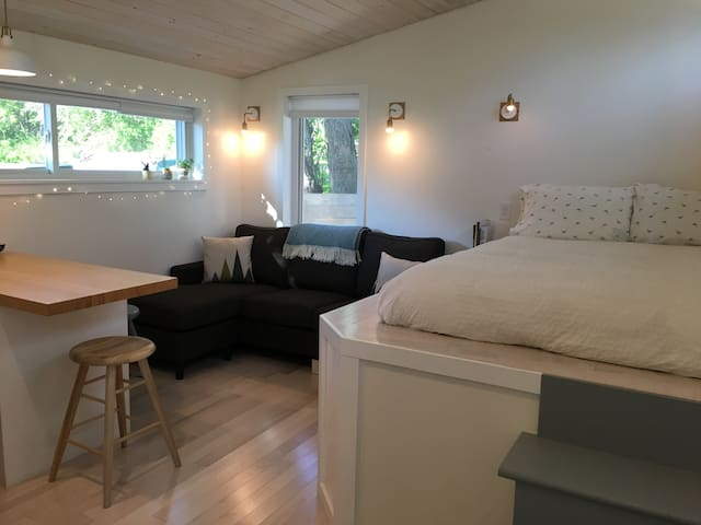Bright Guest Studio Near Lighthouses and Beach