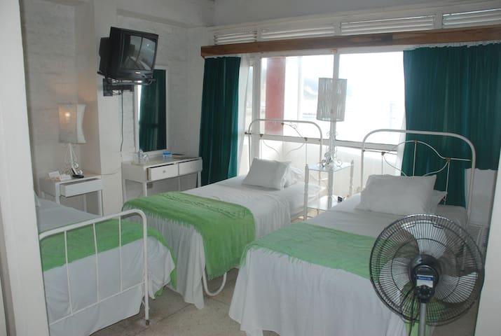 Triple room with ocean view balcony - Bahia de Caraquez