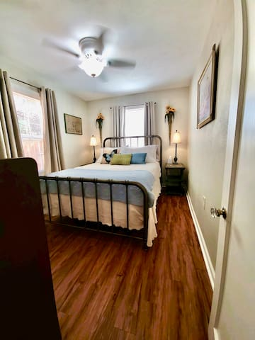 Home is perfect for a couple, child or young adult.