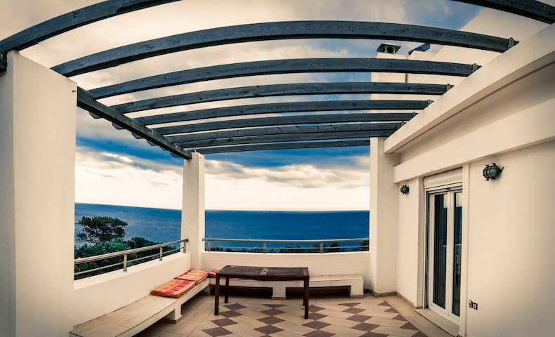 Sea View Apartment - Ferma - Appartement