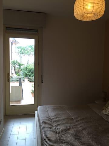 Camera con balcone Bedroom with Balcony