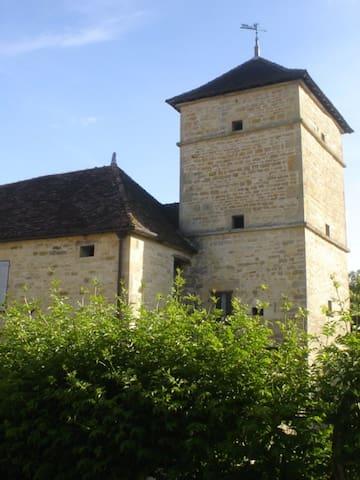 La Grande Vèvre - Gigny - House