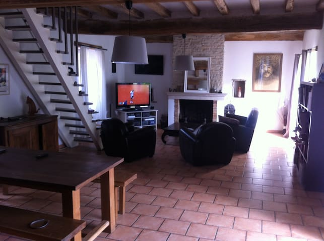 Maison ancienne - Précy-le-Sec - Haus