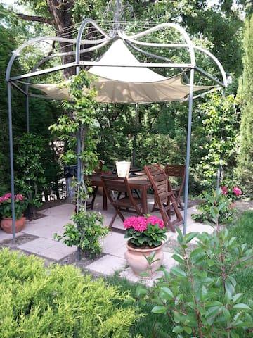 Charming apartment, garden, parking - Solignano