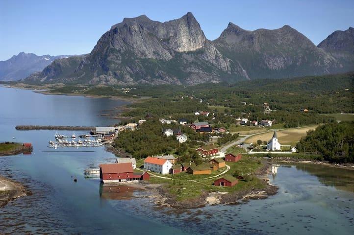 Experience the Northern Lights from Kjerringøy - Bodø - Cabaña